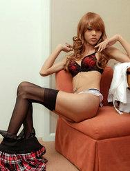 Китайский трансексуал позирует для откровенных фото - 14 картинка