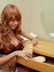 Китайский трансексуал позирует для откровенных фото - 15 картинка