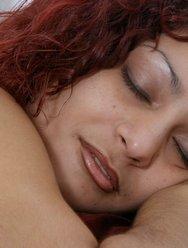 Кончил на попку спящей жены - 13 картинка