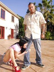 Негр с огромным членом рвет манду девушки - 5 картинка