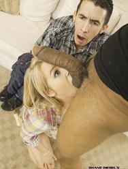 Муж смотрит как его жену трахает негр с большой балдой - 9 картинка