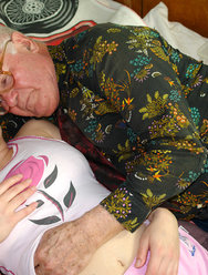 Дед оприходовал голубоглазую внучку - 5 картинка