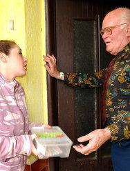 Дед оприходовал голубоглазую внучку - 2 картинка