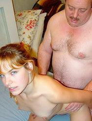 Пьяная дочь сосет у отца - 1 картинка