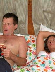 Муж спустил сперму на лицо спящей жены - 1 картинка