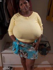 Негритянка и её Батоны - 8 картинка