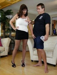Жена любит когда муж кончает на неё - 1 картинка