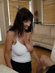 Жена любит когда муж кончает на неё - 9 картинка