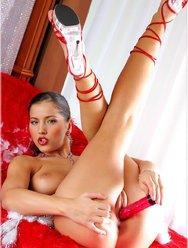 Красавица Энджел - 24 картинка