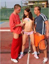 Двойное проникновение в теннисистку - 6 картинка