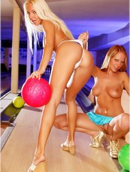 Погоняли шары в боулинге - 24 картинка