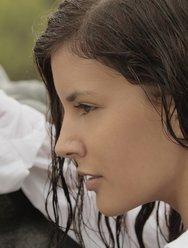 Мастурбация под дождём - 9 картинка