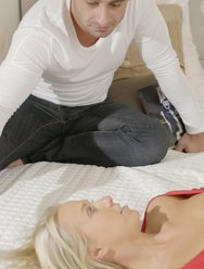 Помог трахнуть молодую жену - 2 картинка
