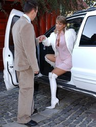 Привёз домой проститутку - 1 картинка