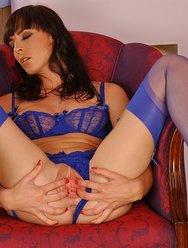 В синем белье - 2 картинка