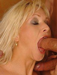 Групповуха с блондинкой - 4 картинка