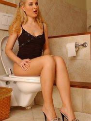 Блондинка без комплексов - 4 картинка