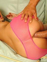 Молодая проститутка - 25 картинка