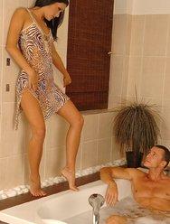 Забавы в ванной - 2 картинка