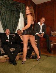 Проститутка для бизнесменов - 1 картинка
