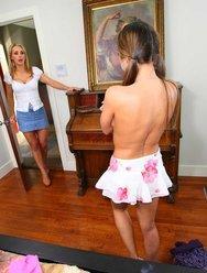 Строгая госпожа и её домохозяйка - 6 картинка