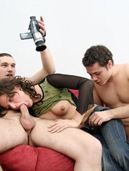 Молодёжная групповуха с блядями - 5 картинка