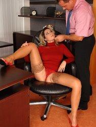 Секс в офисе - 5 картинка