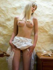 Сочная киска Белинды - 16 картинка
