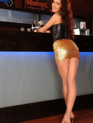 Секс в баре с пьяной посетительницей - 2 картинка