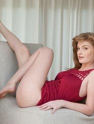 Рыжая красотка Faye R - 3 картинка